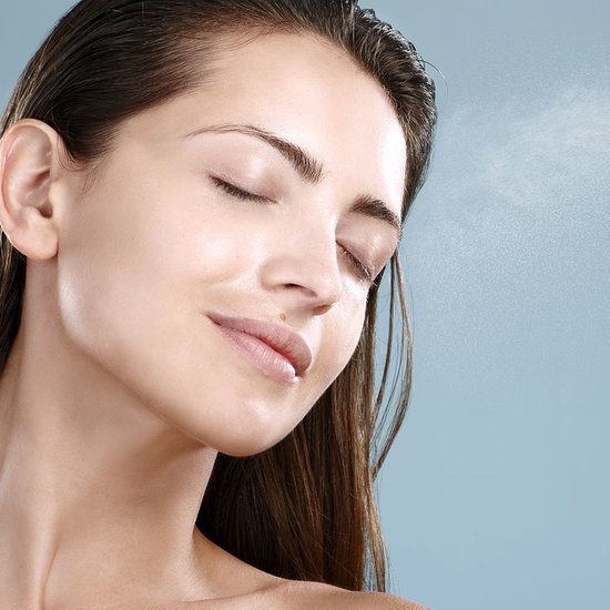 4 Ways to Use a Hydrating Spray