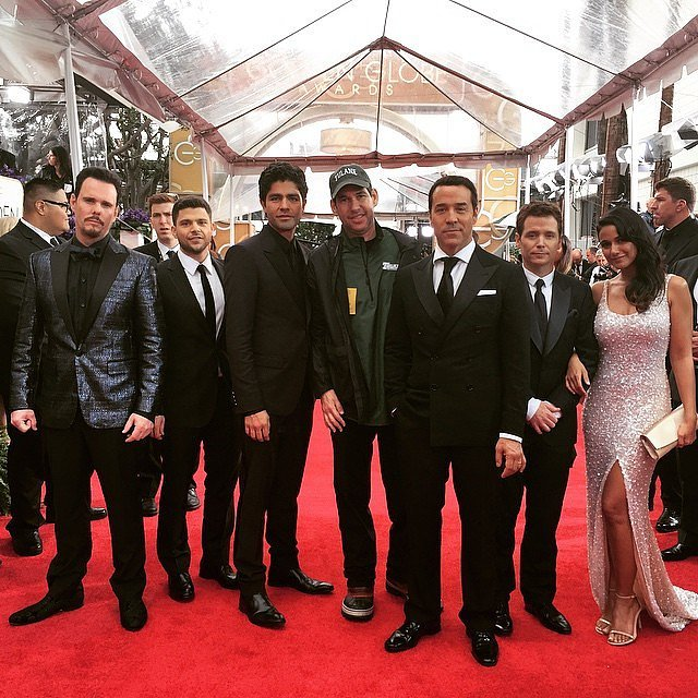 The whole gang — Drama, Turtle (Jerry Ferrara), Vince, director Doug Ellin, Ari, Eric (Kevin Connolly), and Sloan (Emmanuelle Chriqui) got a red carpet group shot.