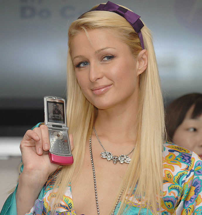 paris hilton cell phone pictures hacked wisconsinneon. Black Bedroom Furniture Sets. Home Design Ideas