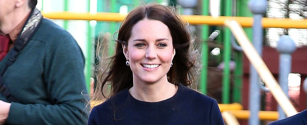 Kate Middleton's Hair Defies Weather and Logic