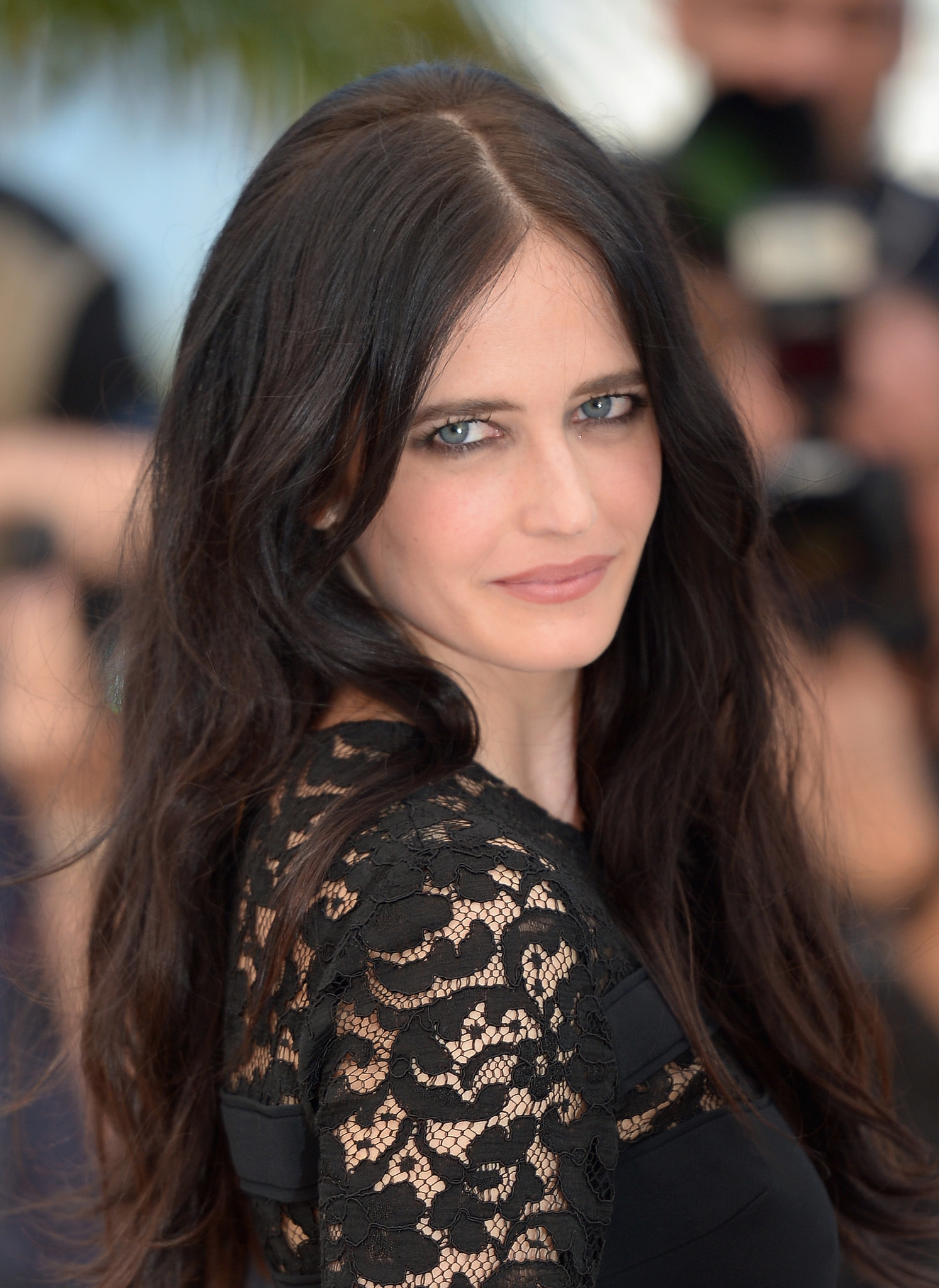 Help What Color Is Eva Green S Hair On This Picture Hair