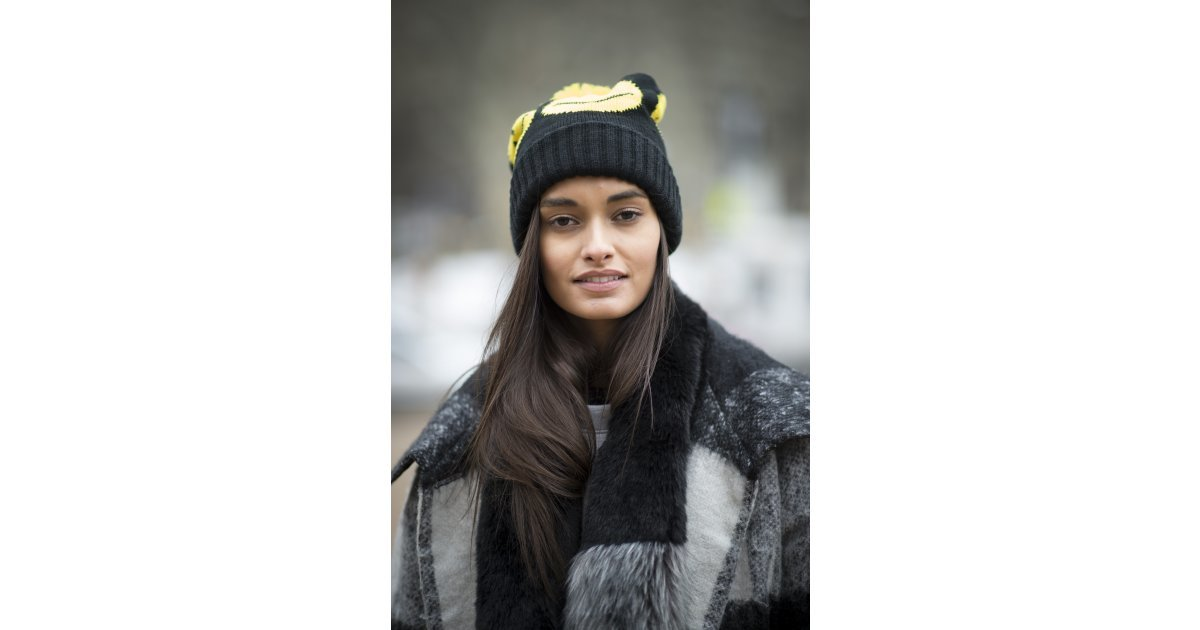 New york fashion week fall 2015 street style babes who will inspire your snow day beauty look Street style ny fashion week fall 2015
