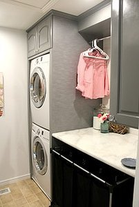Houzz TV: Mother of 6 Rocks Her Laundry Space (3 photos)