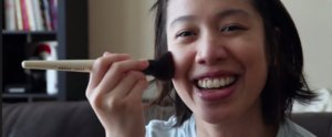 This Is How Blind Women Apply Makeup With Ease