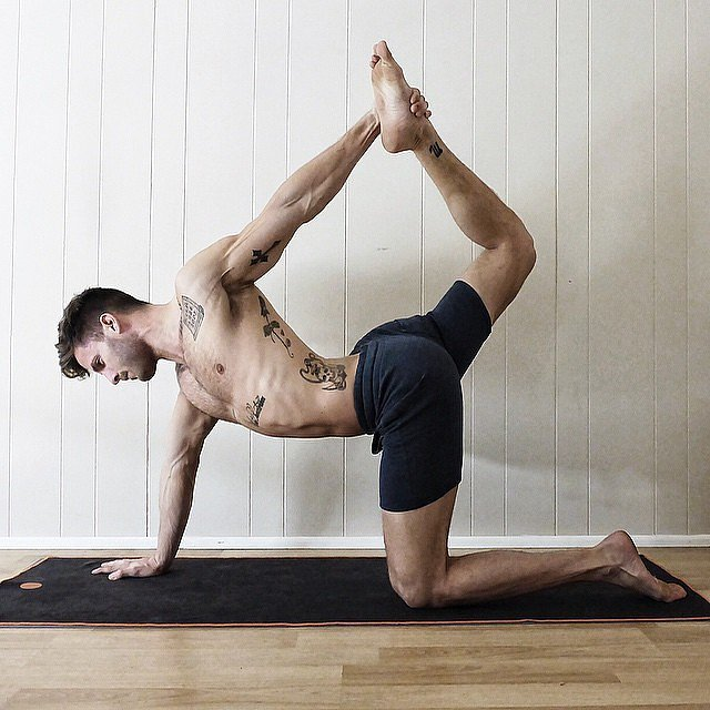 Guy yoga Nude Photos 37
