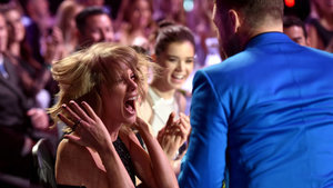 Taylor Swift and Justin Timberlake Adorably Freak Out Together at the iHeartRadio Awards