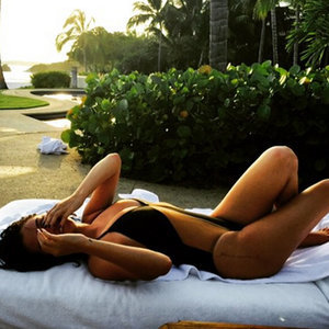Selena Gomez Shares Swimsuit Instagram Picture April 2015