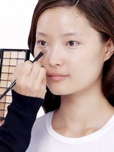 How to Fake Perfect Skin, by Bobbi Brown