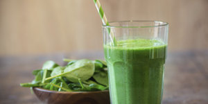 3 Superfoods That Make Smoothies Taste Less 'Green' (VIDEO)