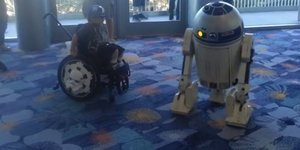 R2-D2 Does Dance With Boy In Wheelchair At Star Wars Convention