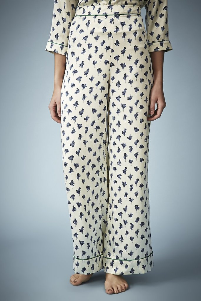 Give the gift of adorable loungewear, the kind that will encourage Mom to take some more time out for relaxing.  Topshop Kate Moss Floral Pajama Pants ($33)
