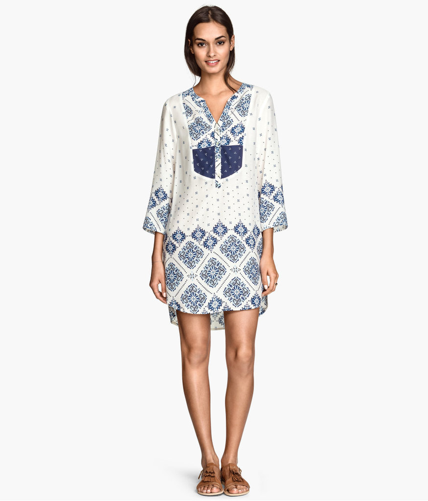 Gifting Mom with some breezy beachwear might just convince her to take a vacation too.  H&M Patterned Tunic ($35)