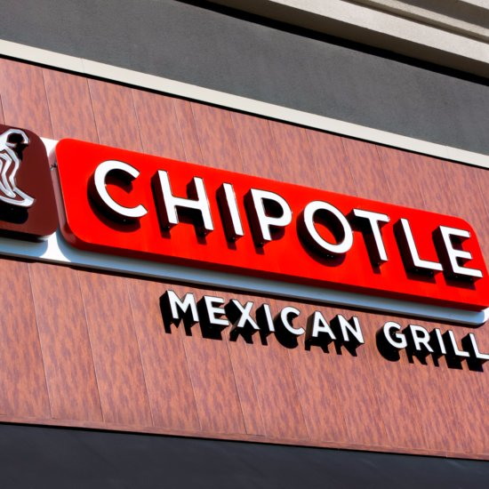 Chipotle Stops Serving GMOs in Food