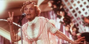Ellen Albertini Dow, The Rapping Granny From 'The Wedding Singer,' Dies