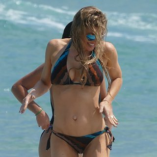 Fergie and Josh Duhamel on the Beach in Florida Pictures