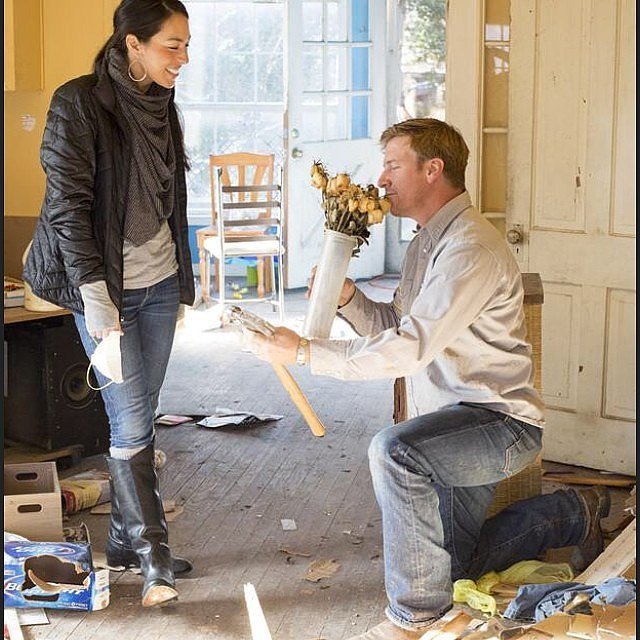 facts about fixer upper 39 s chip and joanna gaines popsugar home. Black Bedroom Furniture Sets. Home Design Ideas
