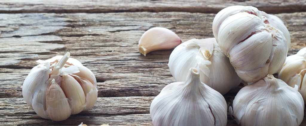 You'll Never Believe This Incredible Garlic-Peeling Hack