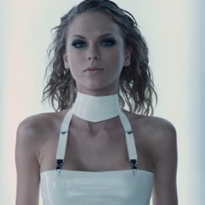 "Taylor Swift's ""Bad Blood"" Music Video Style"
