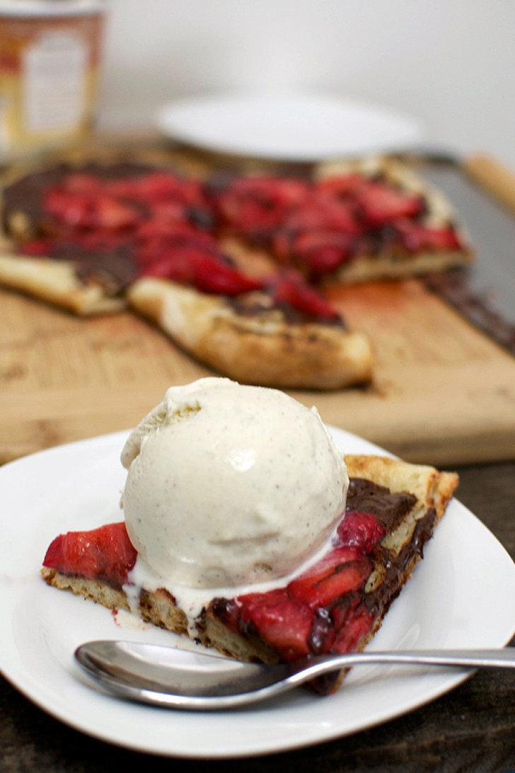 Dessert Pizza With Strawber