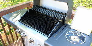 How To Clean Your Grill With Aluminum Foil And Some Elbow Grease