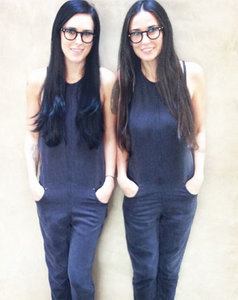 "Rumer Willis Looks Identical to Mom Demi Moore in Amazing ""Twinning"" Photograph: Pic"
