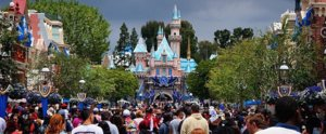 21 Reasons You Should Never EVER Go to Disneyland