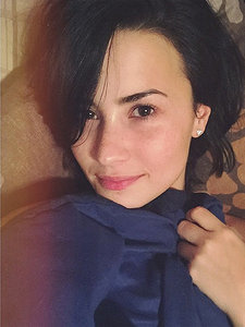 Barefaced and Beautiful: Celebs' Best Makeup-Free Selfies