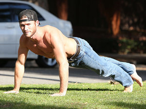 Kick the Weekend Off With Sexy Shirtless Videos of Scott Eastwood Swimming In His Jeans