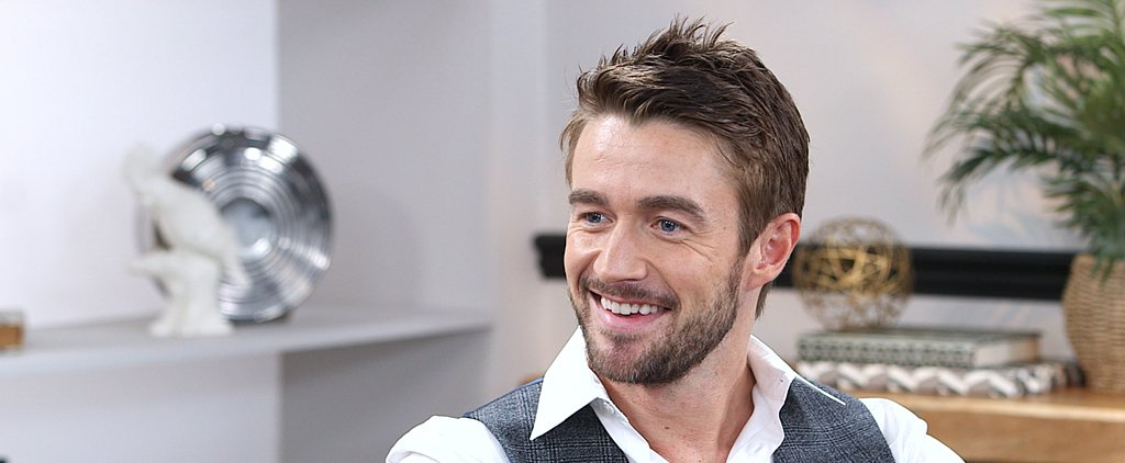 "iZombie's Robert Buckley on How He Preps For Shirtless Scenes: ""I Begin Panicking"""
