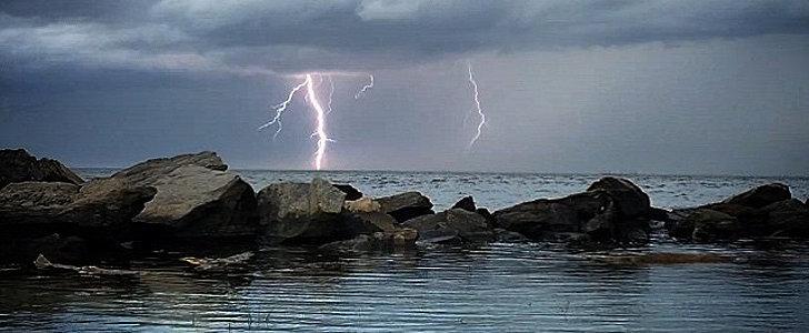 27 Striking Summer Storm Photos