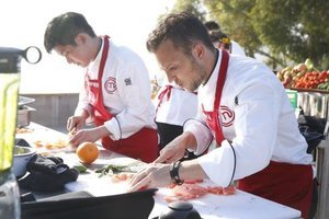 'MasterChef' Interview: How Does Frontrunner Derrick Peltz Keep His Cool?