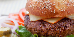 5 Quick Tips for Making Delicious Steakhouse Burgers at Home