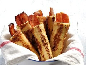 Bacon French Toast Roll Ups Are A Gift From The Breakfast Gods