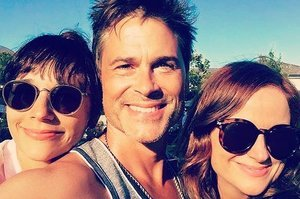 Amy Poehler, Rashida Jones, And Rob Lowe Spent July 4th Together