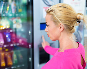 3 Vending Machines, 1 Nutritionist: What She Ate from Each