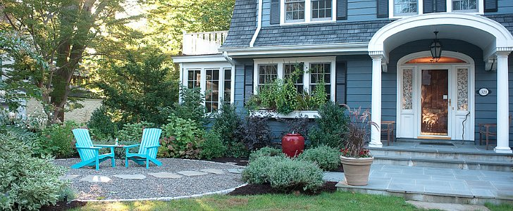 8 Ways to Create a Neighborly Front Yard