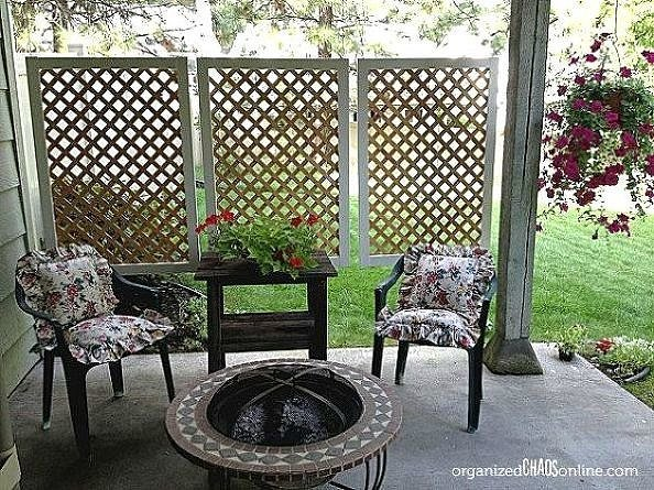 Hanging panels 4 stylishly sneaky ways to add privacy to for Large outdoor privacy screen