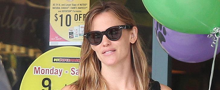 Jennifer Garner Wears Her Wedding Ring on a Fun Family Day