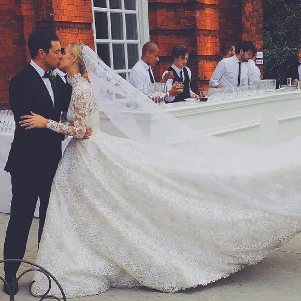 25 Photos That Will Convince You to Go Modest on Your Wedding Day