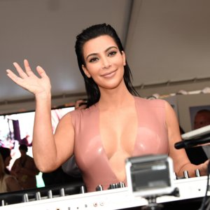 Kim Kardashian Asks For Twitter Editing