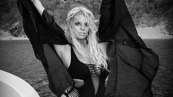 Jessica Simpson Sports Same Sexy Monokini as Kendall and Kylie Jenner!