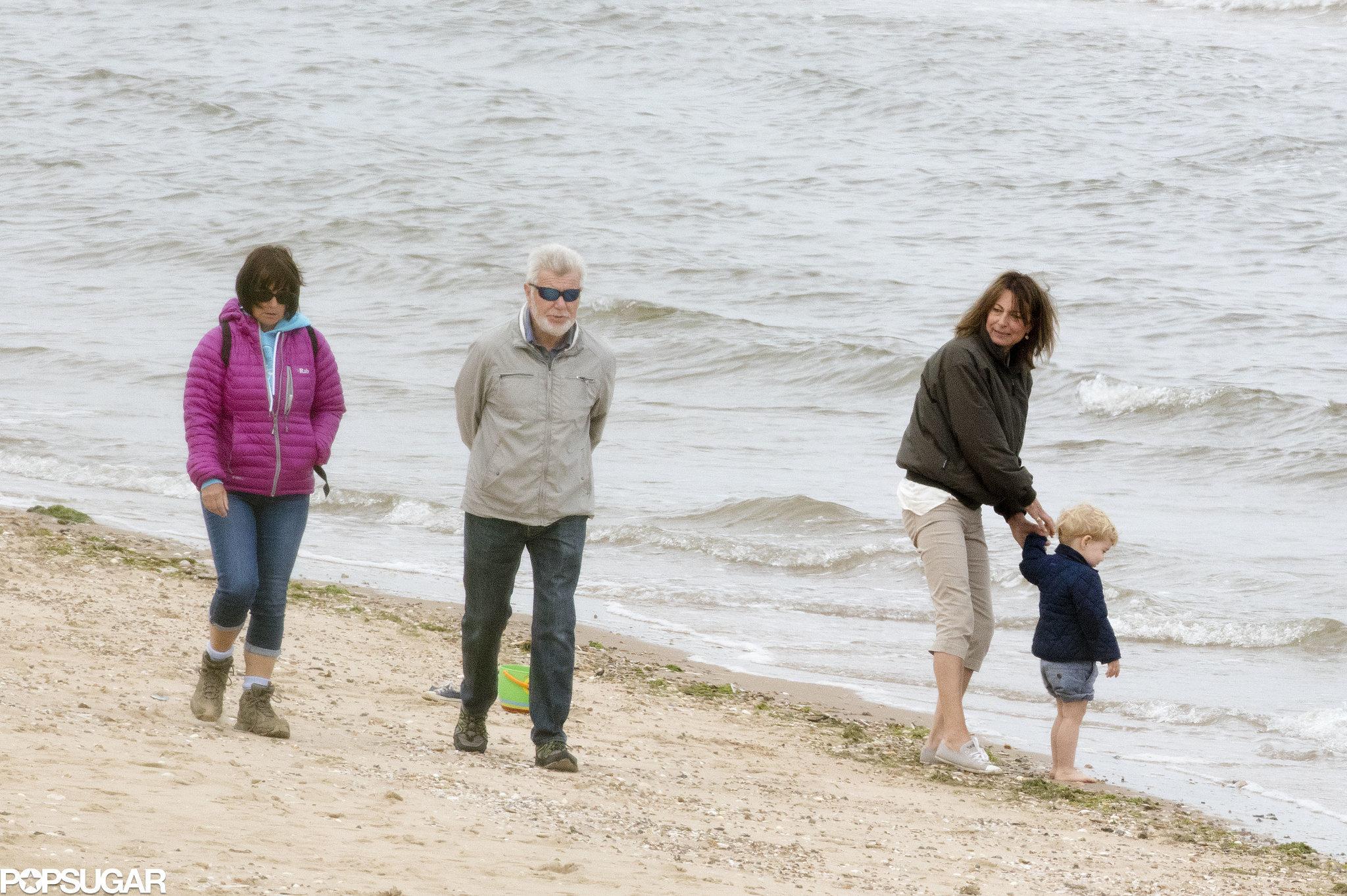 Фото бабушек на пляже 10 фотография