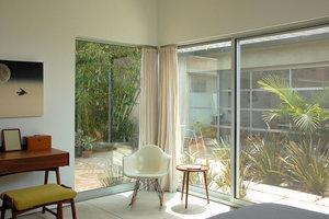 Maximum Light in a Narrow Los Angeles Home