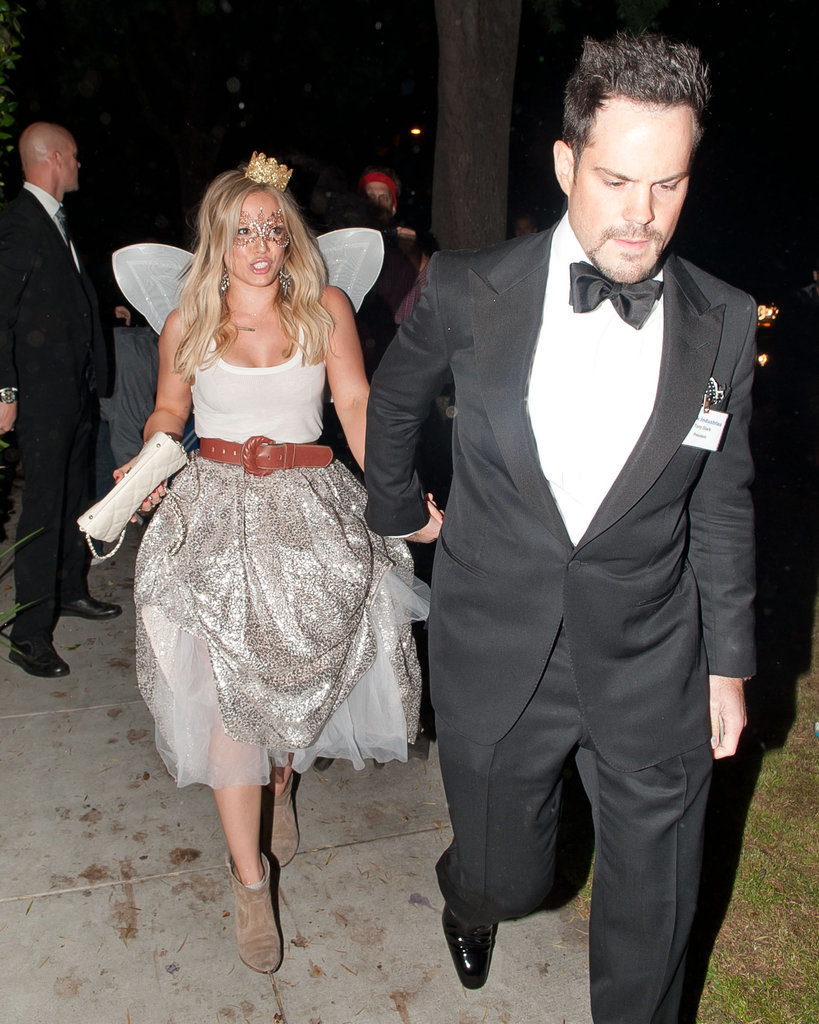 Hilary Duff was a tooth fairy and Mike Comrie was her escort in LA in 2014.