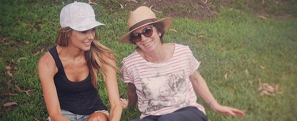 Jennifer Hawkins' Mum Has Been Diagnosed With Cancer