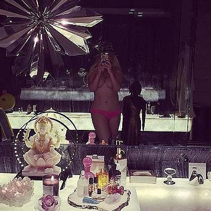 Christina Aguilera Topless Instagram