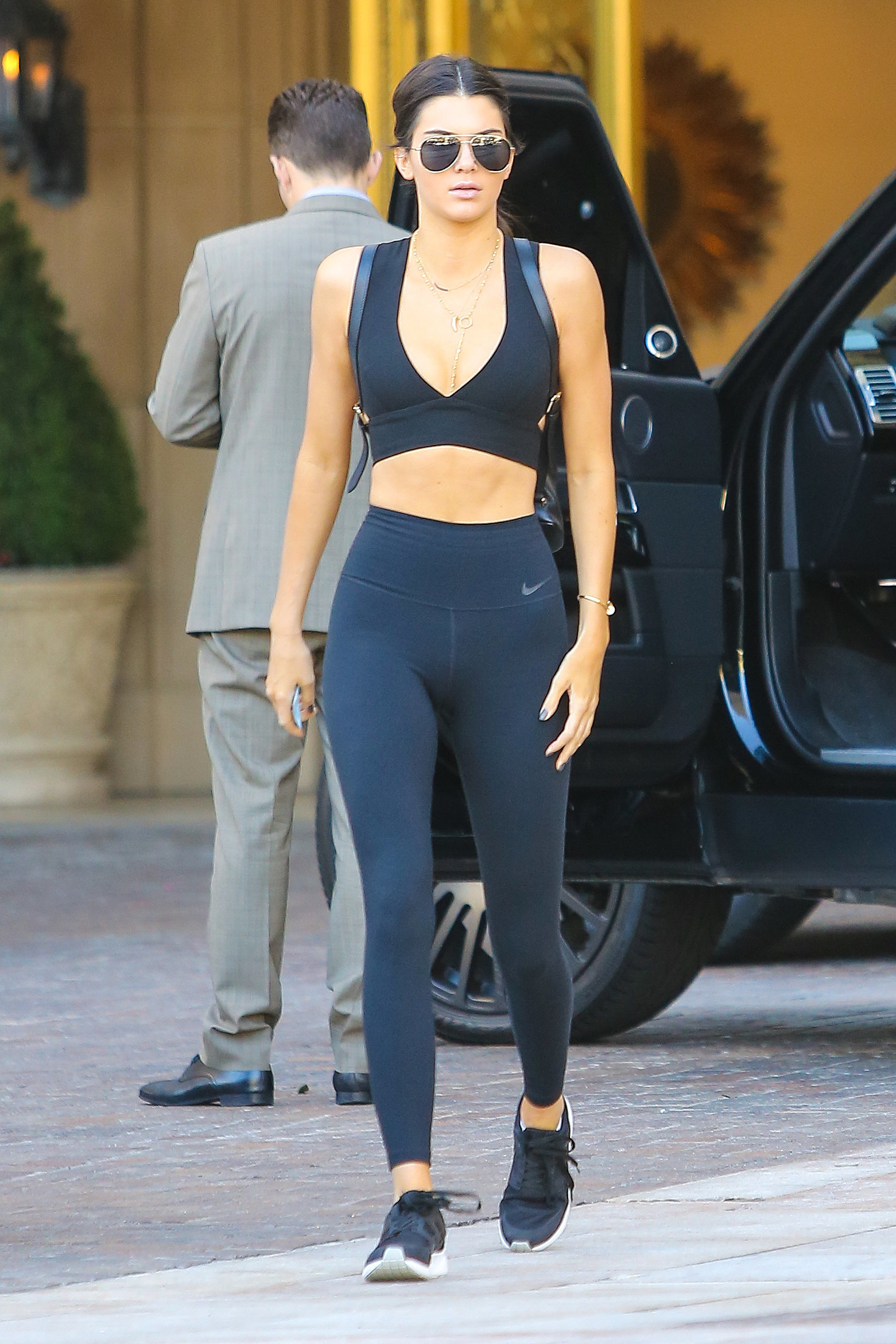 Kendall Jenner Giving Us Serious Ab Envy In Her All Black