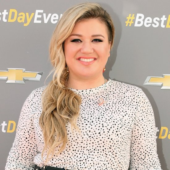 "Kelly Clarkson Covers ""The Heart Wants What It Wants"""
