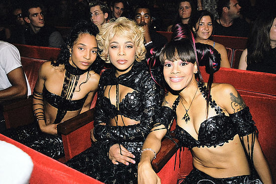 "TLC performed ""No Scrubs,"" then won best group video for it."