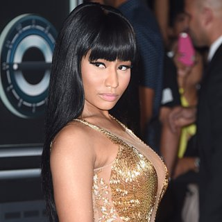 Nicki Minaj Calls Out Miley Cyrus on Stage MTV VMAs 2015